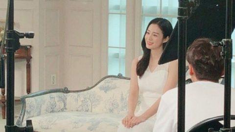 Kim Tae Hee đổi khác bất ngờ sau 1 năm sinh con