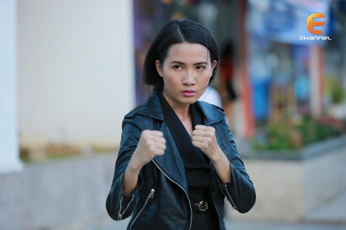 """Phan Thị Mơ """"lột xác"""" với hình tượng nữ cảnh sát"""